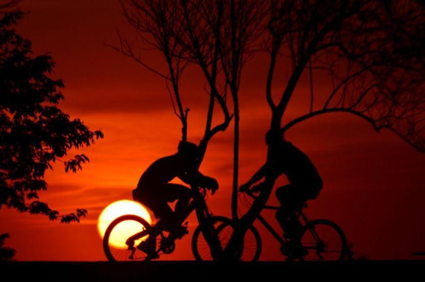 0773-Ciclistas na orla do Guaiba