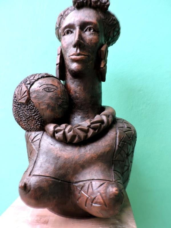Mama África  35x35x60cm