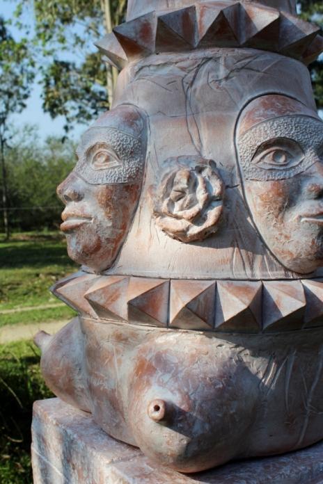 urna 3 - 35x35x102cm