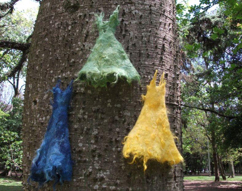 2.Miniaturas de vestidos  feltragem lã merino  e cabra angorá